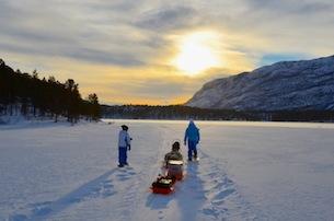 Alta-Norvegia-Finnmark-escursione-con-le-ciaspole-sul-lago-ghiacciato8