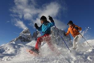 Passeggiate sulla neve in Trentino Archivio-ApT-Val-di-Fassa-Ciaspole_NAngeli-generale