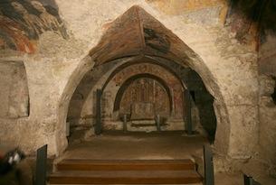 Basilicata-Melfi-Chiesa-Rupestre-di-Santa-Margherita-interno