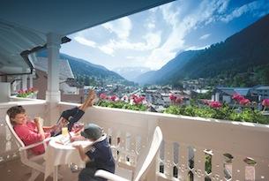 Cavallino-Bianco-bebe-vista-balcone