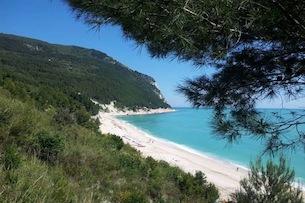 Marche-Conero-spiaggia