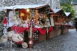 Mercatini-di-Natale-2015-nel-Castello-medioevale-di-Limatola