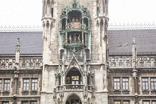 Monaco-di-Baviera-Carillon-in-Marienplaz-Fotografie-Devid-Rotasperti-Familygo-1