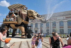Nantes-grande-elephant-ph-Jean_Dominique Billaud-LVAN