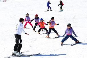 Skiarea-Alpe-Lusia-Corso-sci-bambini