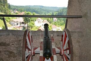 Slovenia-Castello-di-Predjama3