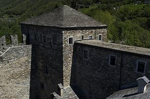 Swiss_Image_bellinzona-castelli-Sasso Corbaro2