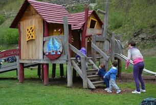 Trentino-Comano-Terme-parco-giochi
