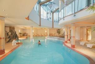 Alta badia in estate con bambini wellness family e cucina gourmet - Residence val badia con piscina ...