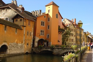 annecy-vieille-ville-canaux