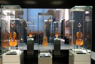 Museo Del Violino.Visita Al Museo Del Violino Di Cremona E Alle Botteghe Dei Liutai