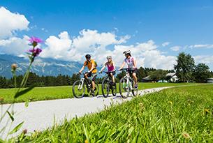 innsbruck-innsbruck e i suoi villaggi d'incantomutters_natters_famiglia_bike_a