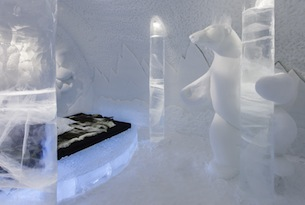 lapponia-svedese-icehotel-pole_dancing-photo_christian_stromqvist
