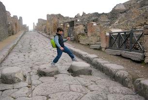 pompei-visita-cin-i-bambini-familygo-pietre