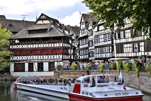 strasbourg-bateau-mouche-petite-france-ph-Atout-France-Michel-Ango