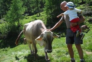trentino-famiglia Valsugana Adotta una mucca 3 - Angela Ventin