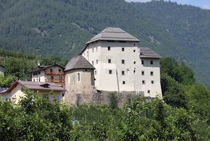 Trenino dei castelli speciale bambini, Castel Caldes
