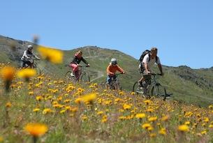 Vacanze a Pila in estate, passeggiate in bici